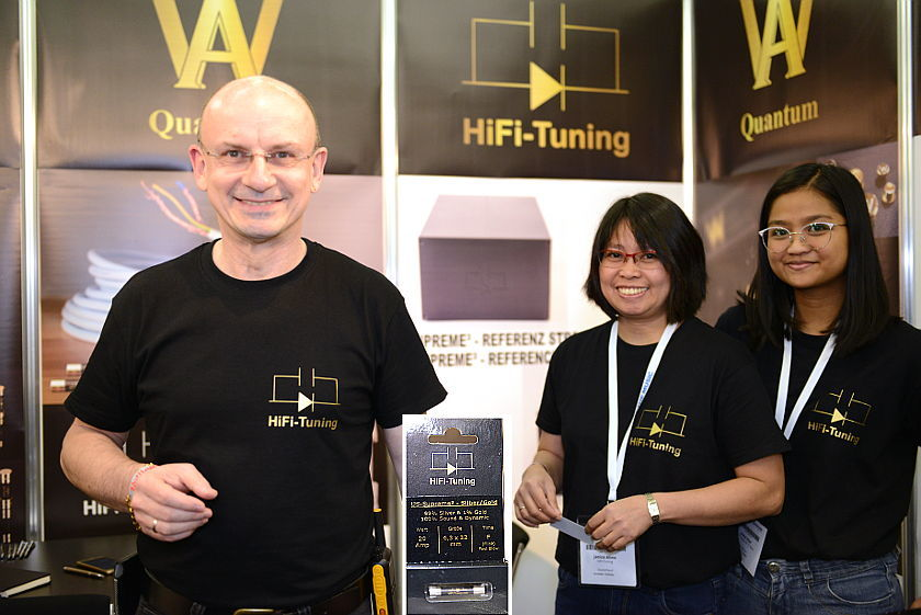 Bernd Ahne von Hifi-Tuning mit seinem Team