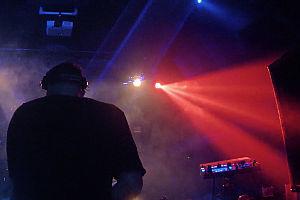DJ im Nachtclub Panama