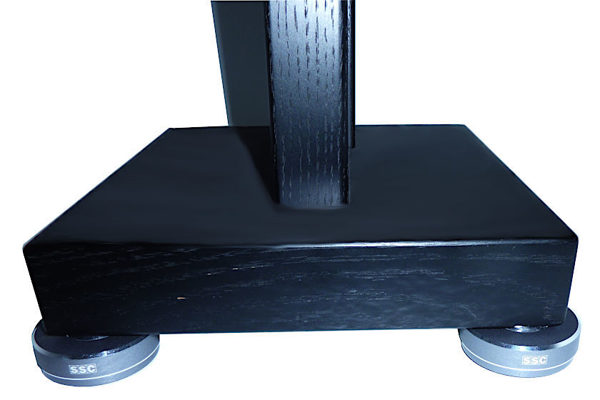 NETPOINT 100 unter Speakerstand