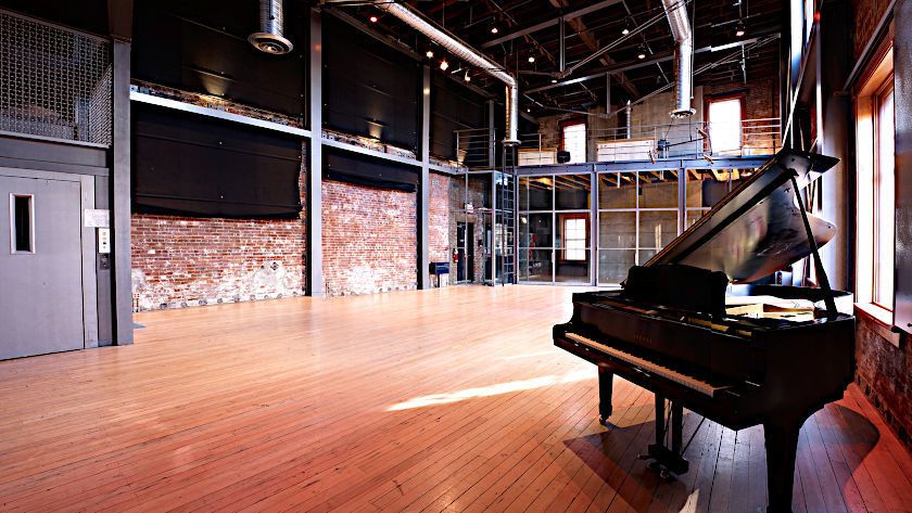 "Livingroom im ""The Warehouse Studio"""
