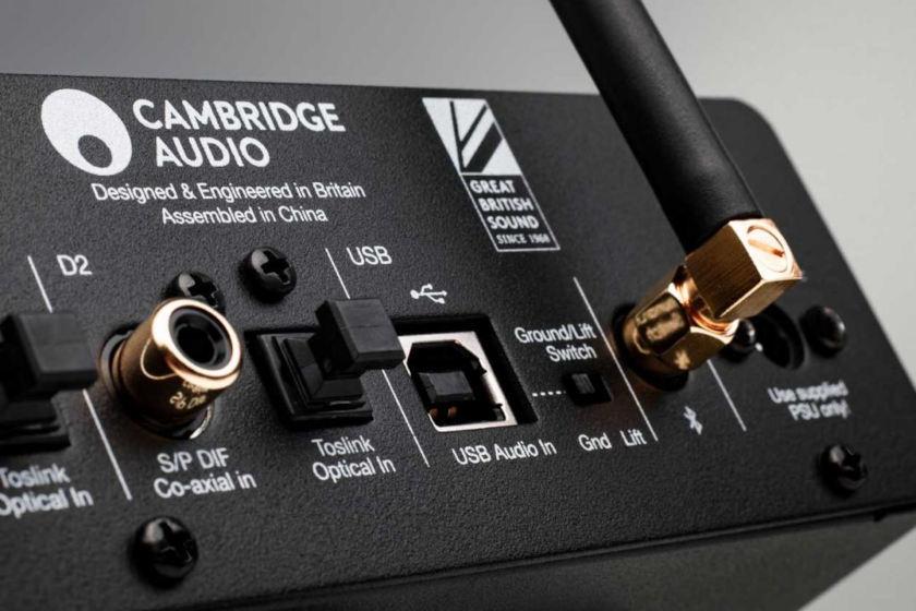 Vielfältige Anschlussmöglichkeiten des Cambride Audio DACMagic 200M