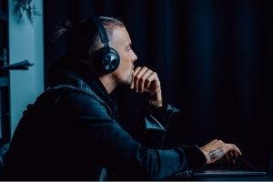 Bang & Olufsen und Raf Camora starten eine Kopfhörer Kooperation