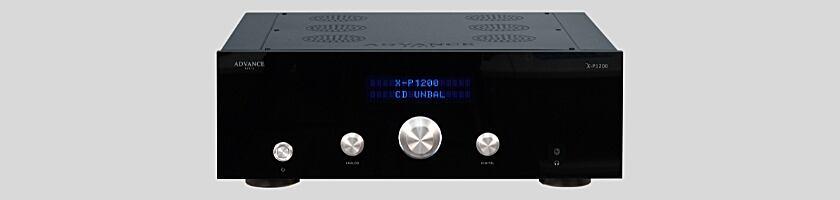 Der X-P1200 Stereo-Vorverstärker von Advanced Paris Frontansicht