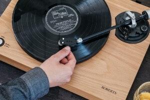 ROBERTS RT100 und RT200 Roberts Audio feiert die Schallplatte
