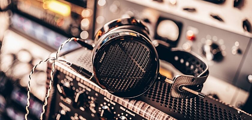 Der neue Audeze LCD-5 Kopfhörer im Studio